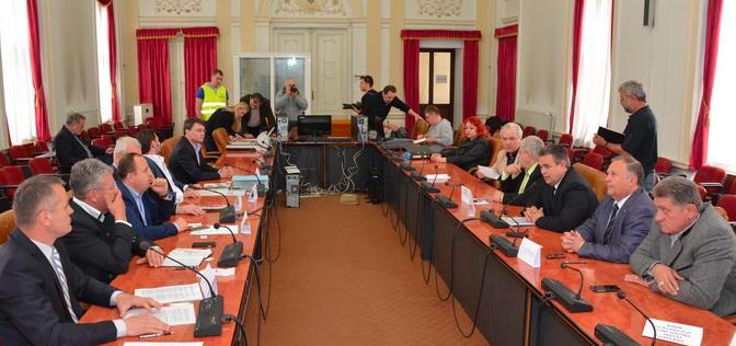 UNPR si FPBH au provocat candidatii la CJ Bihor sa-si spuna strategia adoptata
