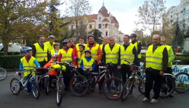 """""""Apelul de la Oradea """" printre ruinele Autostrăzii Transilvania"""
