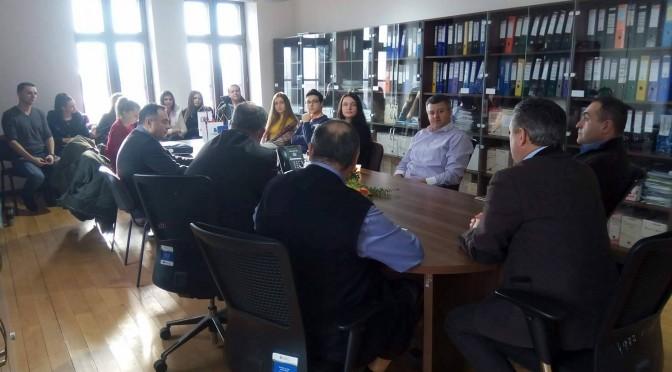 STUDENTII DE LA FACULTATEA DE  STIINTE ECONOMICE, SPECIALIZAREA MARKETING, IN VIZITA LA SEDIUL FEDERATIEI PATRONILOR BIHOR