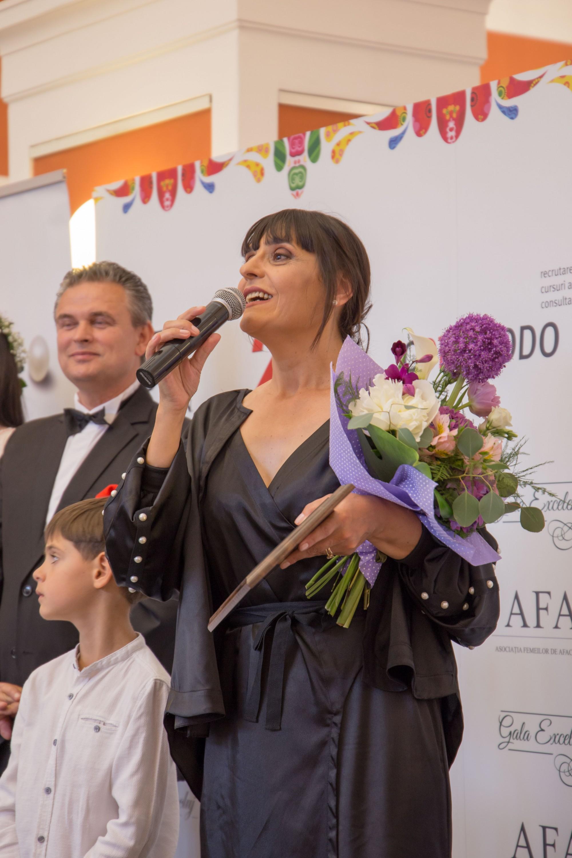 Gala-Excelentei-la-Feminin-2018-Ioan-Lucian-si-Elena-Ivanca